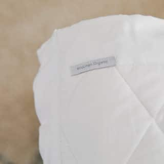 ecoLinen-organic-cotton-quilted-mattress-protector-edges