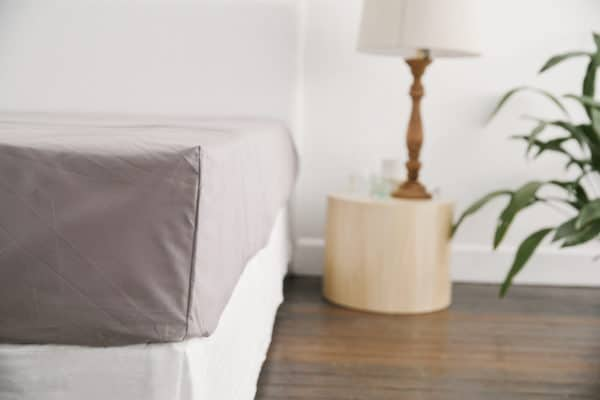 ecoLinen-organic-cotton-fitted-sheet-charcoal